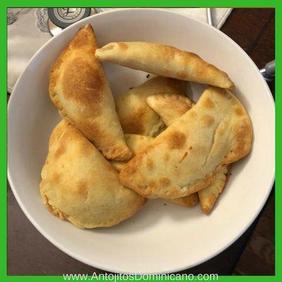 Estas empanadas dominicanas estan muy buenas!